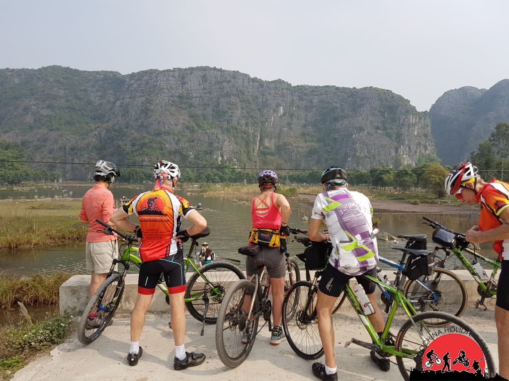 Red River Delta Cycling Tour and Halong Bay Cruise - 7 Days